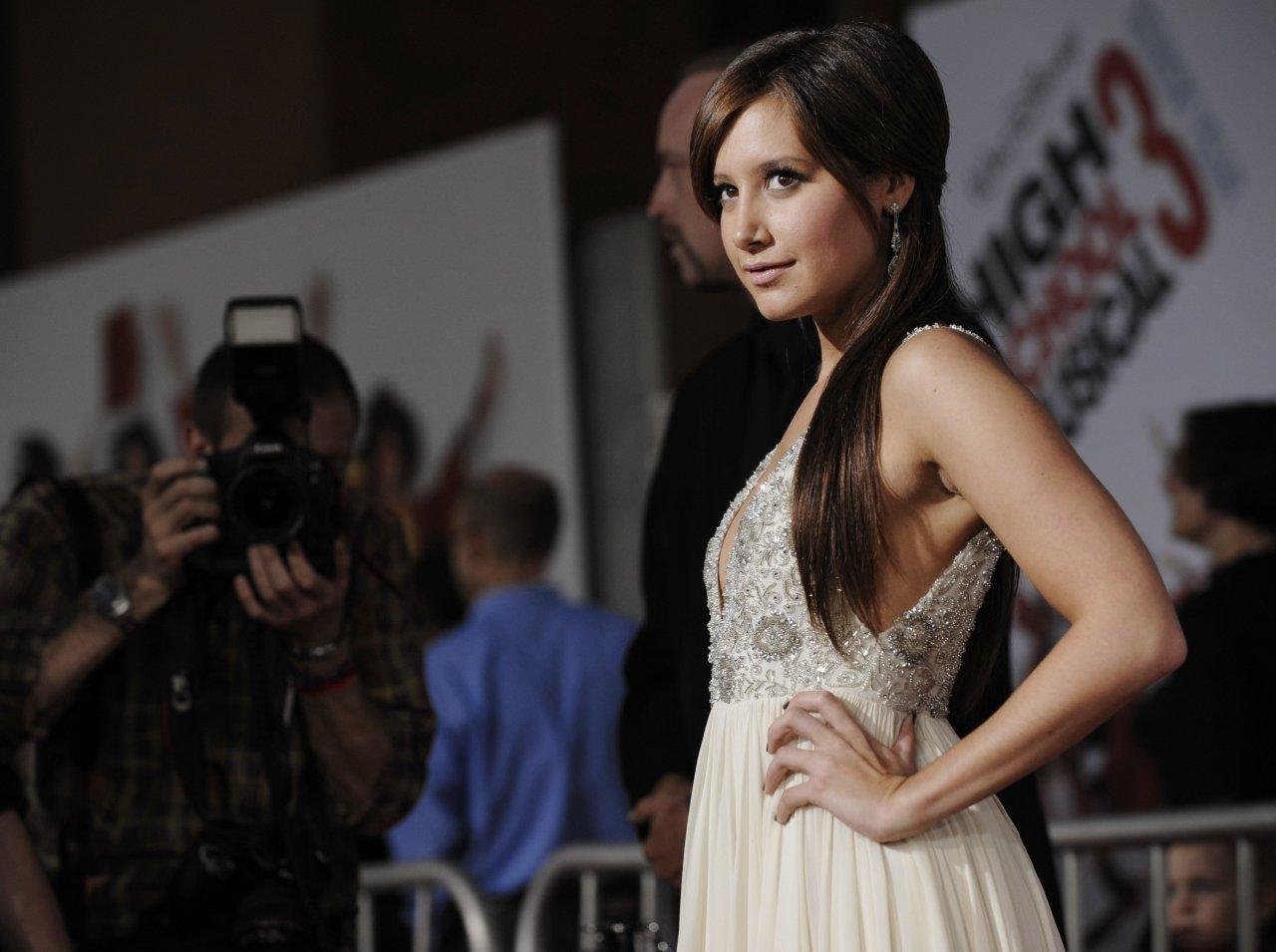 Эшли Тисдейл (Ashley Tisdale), Люди за кадром: фото, биография