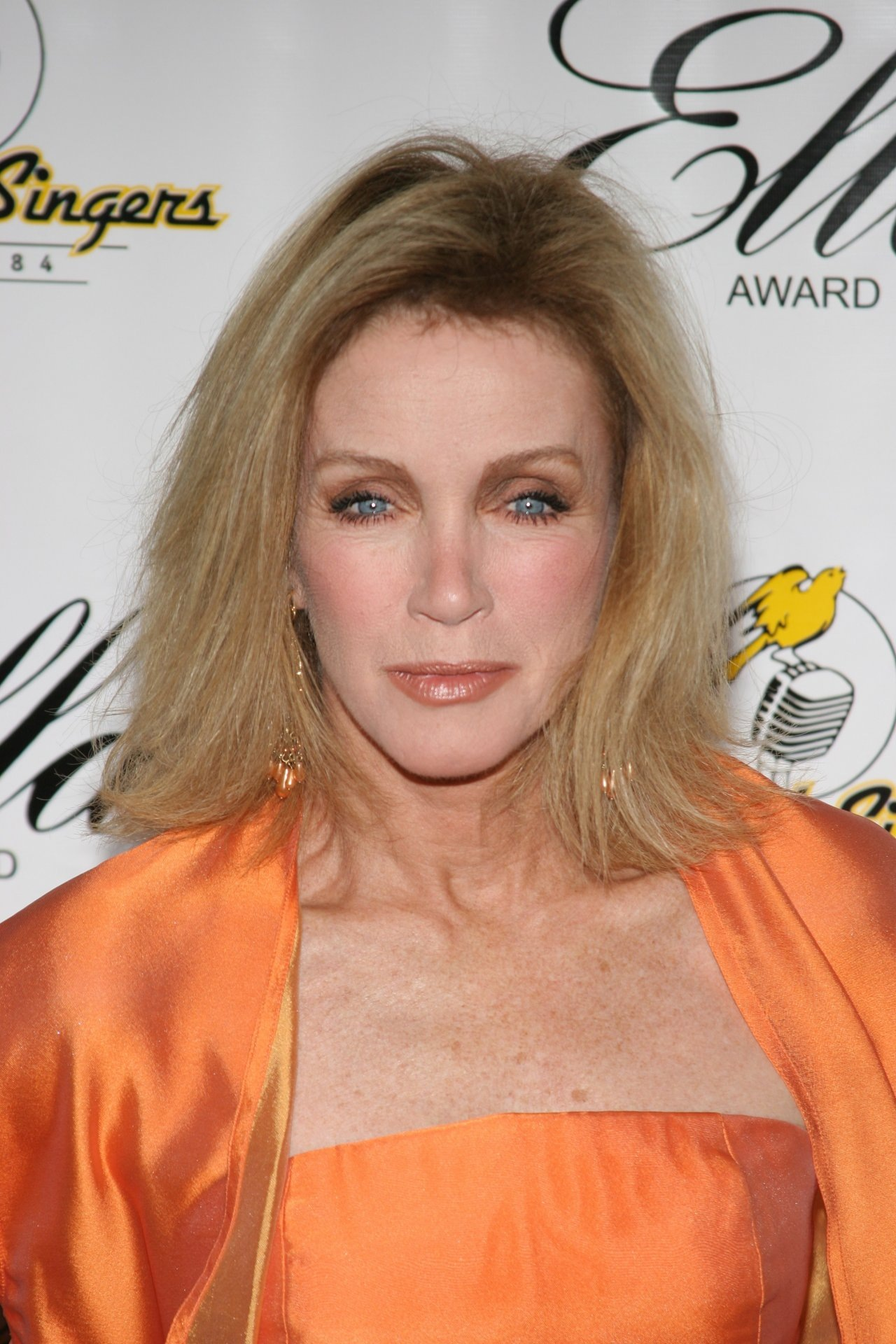 Pictures of donna mills Amazonian - Wonder Woman through the years - Pictures - CBS News