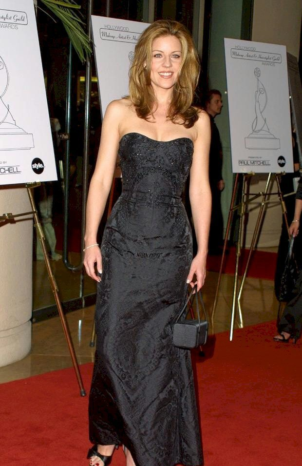 Andrea Parker - High quality image size 2220x3330 of
