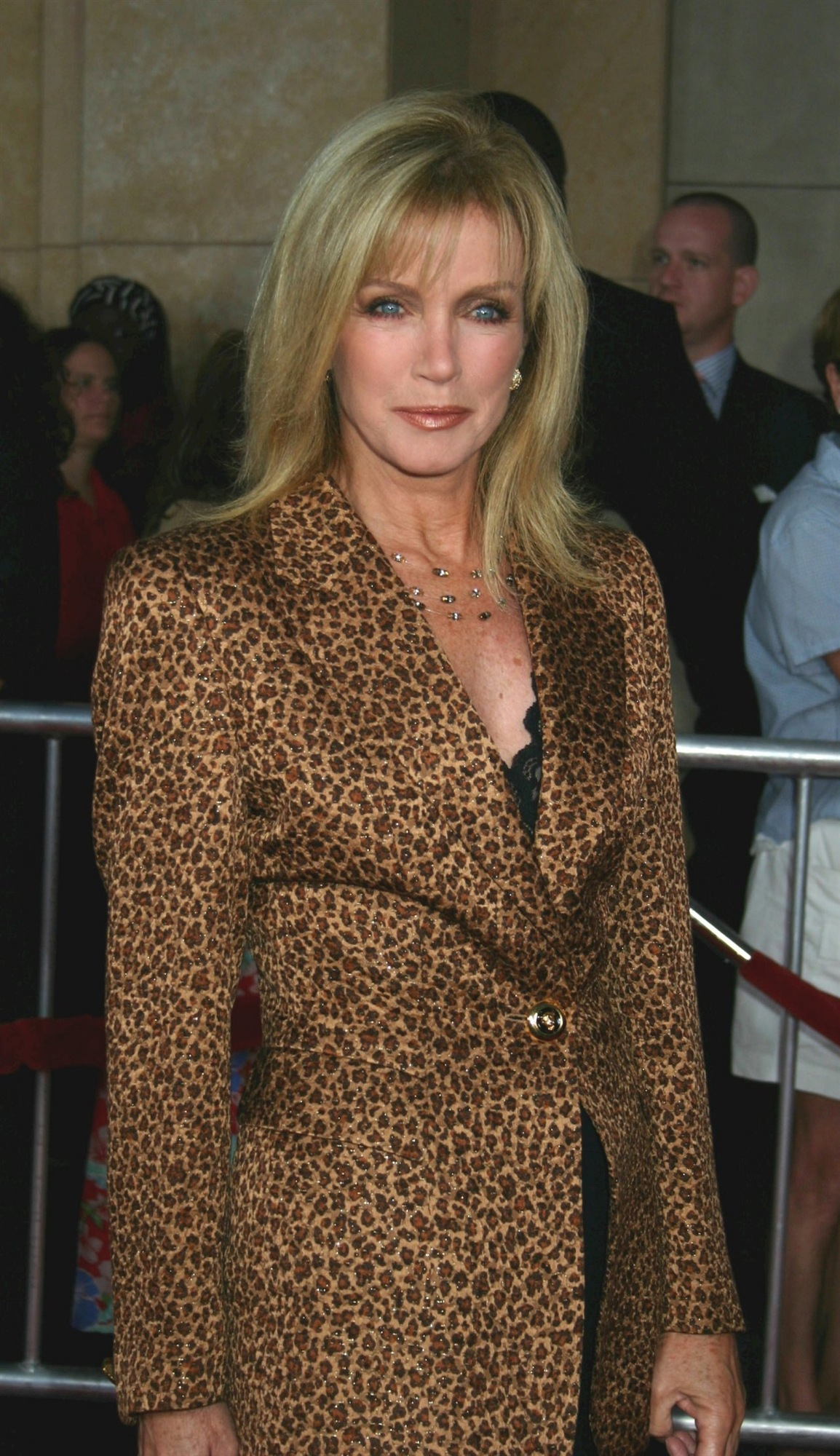 Pictures of donna mills Designers m